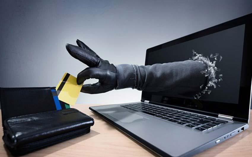 ترفندهای مختلف از جمله های حساب های تقلبی برای دزدیدن پول های شما